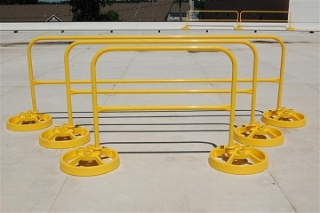 Freestanding Safety Guardrail 1-Piece Rail Section