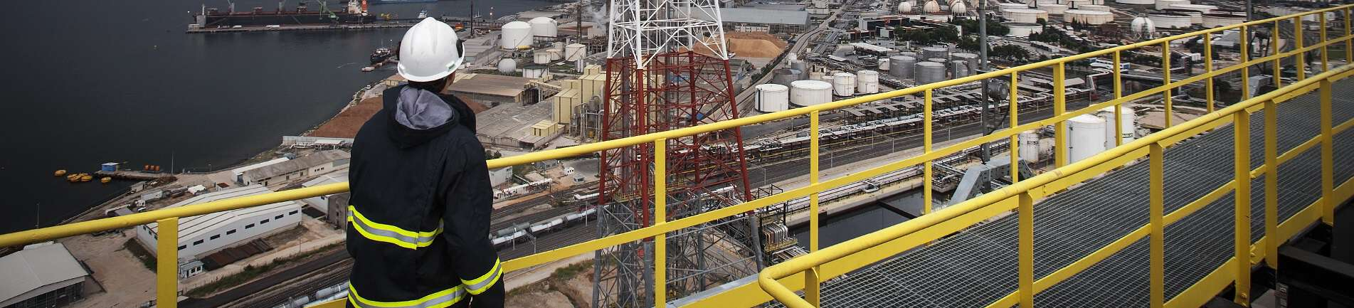 Safety Rails Systems Helping You Make Sense of Fall Protection