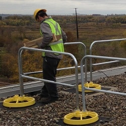 Freestanding Safety Guardrail Protects Workers During Maintenance & Repair