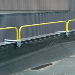Parapet Clamp Guardrail System with Top Rail